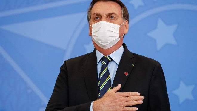 Bolsonaro testa positivo ao novo coronavírus