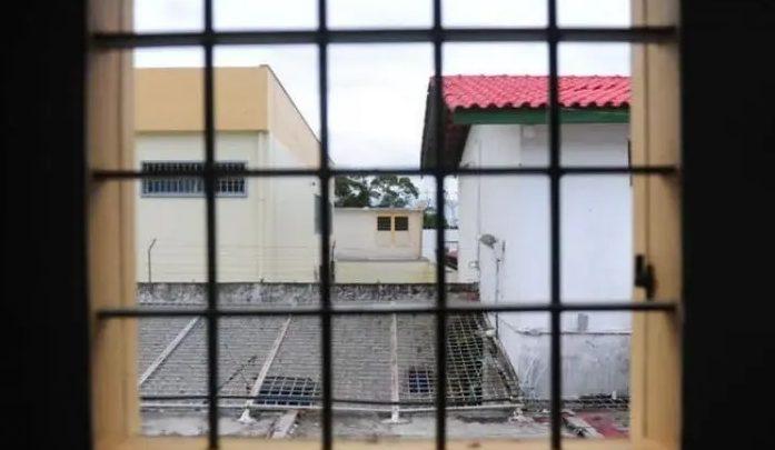 Casos de coronavírus no sistema prisional dobram em SC; secretário testou positivo