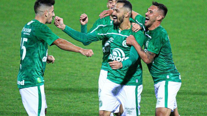 Em noite inspirada, Chapecoense desbanca o Guarani e chega à terceira vitória consecutiva na Série B