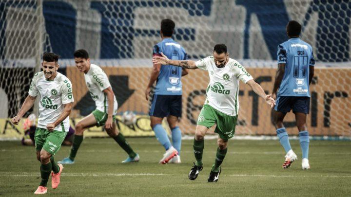 Chapecoense flecha o Cruzeiro no Mineirão e entra no G-4