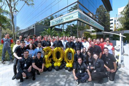 Madero inaugura o nº 200 e comemora os 15 anos do Grupo
