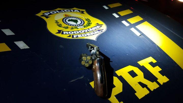 PRF prende motorista embriagado (reincidente) e com arma raspada na BR-282 em Xaxim