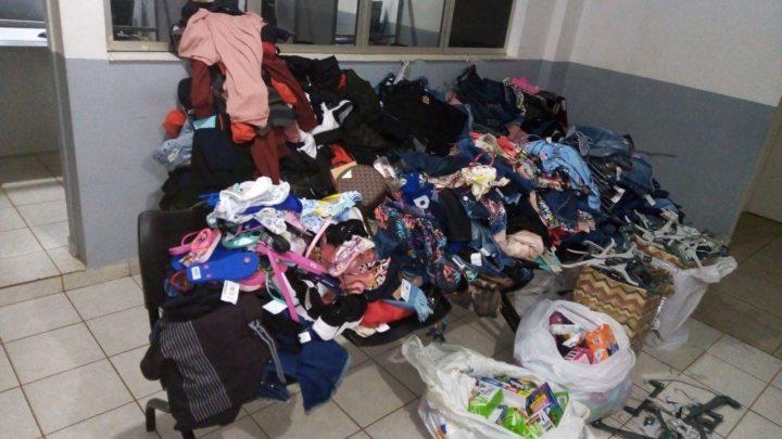 Polícia Militar prende trio com carro lotado de roupas furtadas de lojas em Chapecó