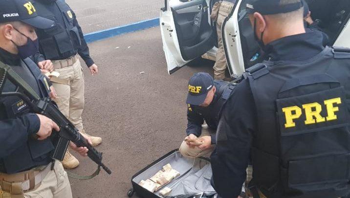 Polícia Rodoviária Federal prende cinco bandidos envolvidos em assalto em Criciúma