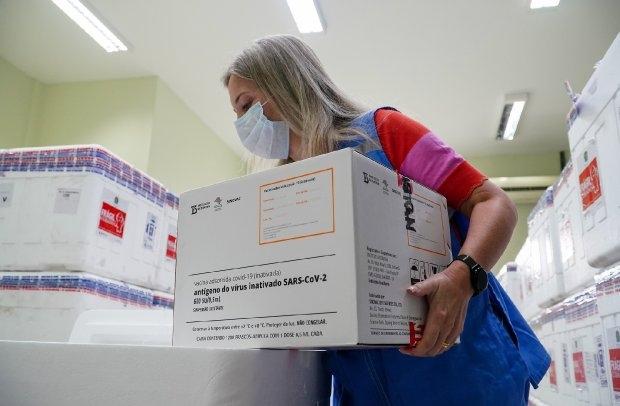 Região de Chapecó receberá 5.360 doses de vacina no primeiro lote