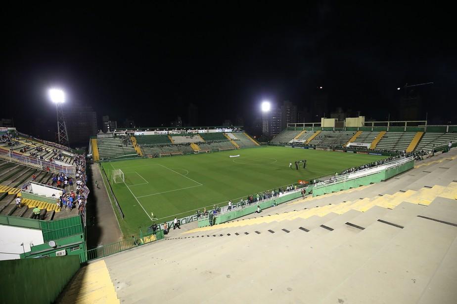 Chapecoense tenta reabilitação contra o Figueirense na série B