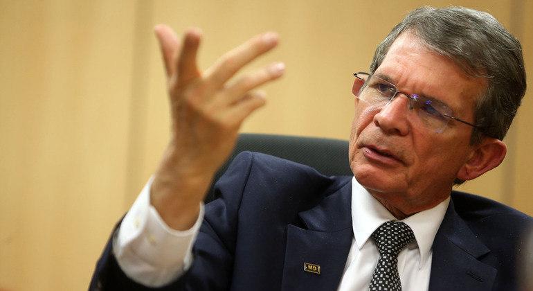 Bolsonaro anuncia troca do presidente da Petrobras