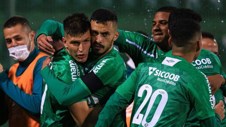 Chapecoense vence o Hercílio Luz e está na semifinal do Campeonato Catarinense
