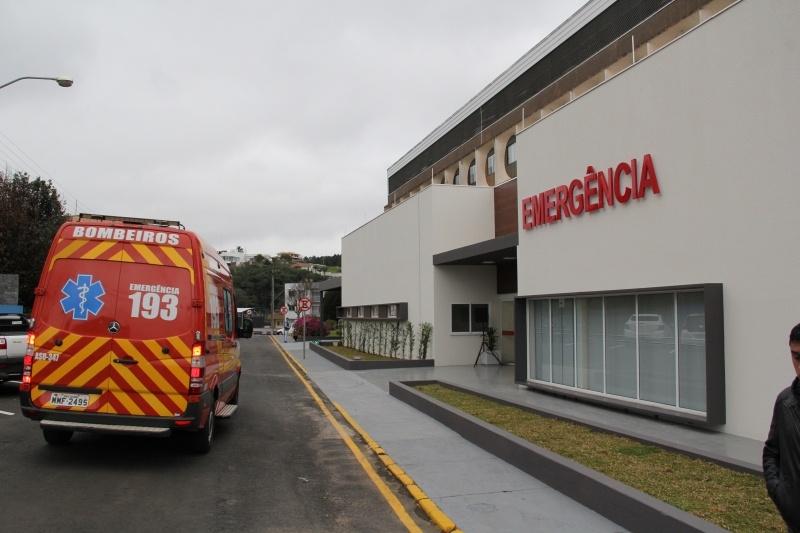 Mulher morre após atear fogo no próprio corpo em SC