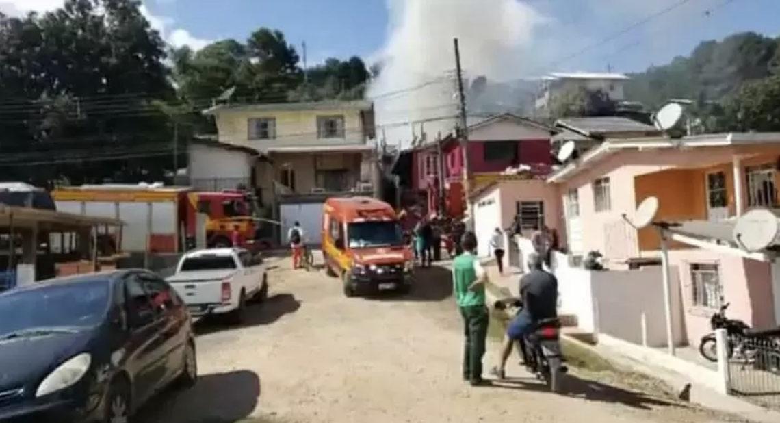 Tragédia: Três crianças morrem carbonizadas em SC