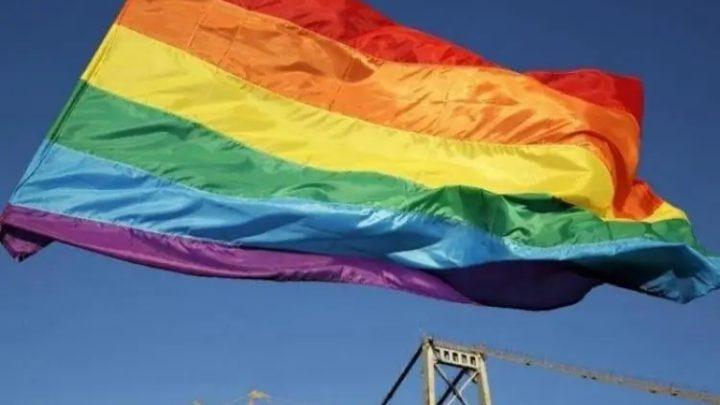 Promotor dá lição em homofóbicos em SC ao arquivar denúncia contra live 'Criança Viada'