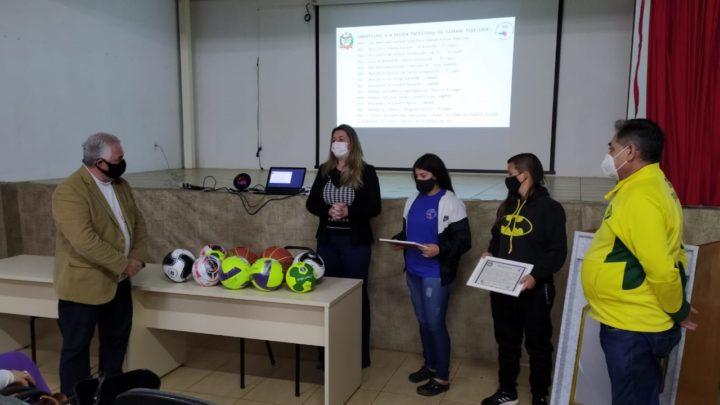 Escola Lourdes Lago recebe premiação por título nacional em desafio virtual da CBDE
