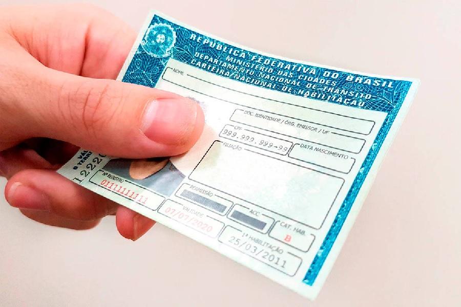 Casal é preso utilizando documentos falsos para abrir contas e fazer empréstimos em SC