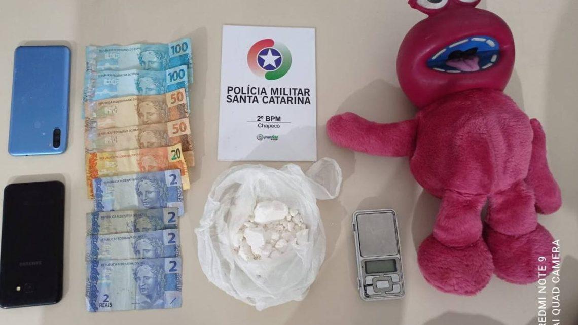 Cocaína é encontrada dentro de bichinho de pelúcia em Chapecó