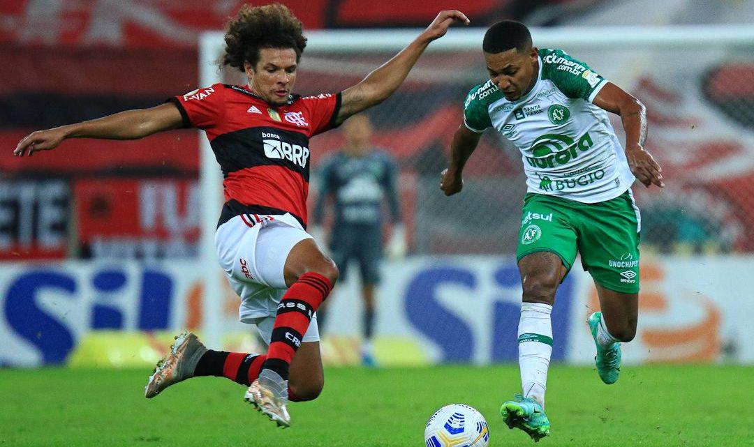 Chape sai na frente, mas é superada pelo Flamengo no Maracanã