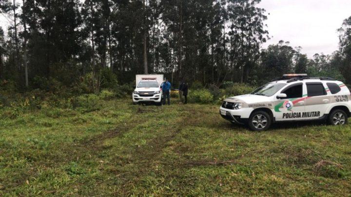 Corpo de mulher é encontrado dentro de mala em rio no Sul de SC