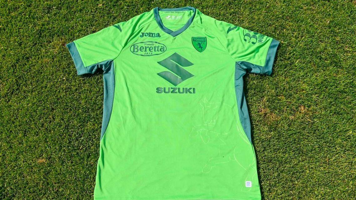 Vítima de acidente em 1949, Torino lança camisa verde em homenagem à Chape
