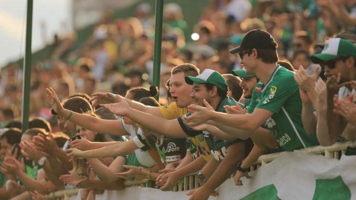 Volta da torcida nos estádios em SC será analisada após evento-teste