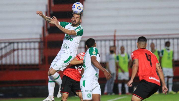 Chapecoense empata com o Atlético-GO em Goiás