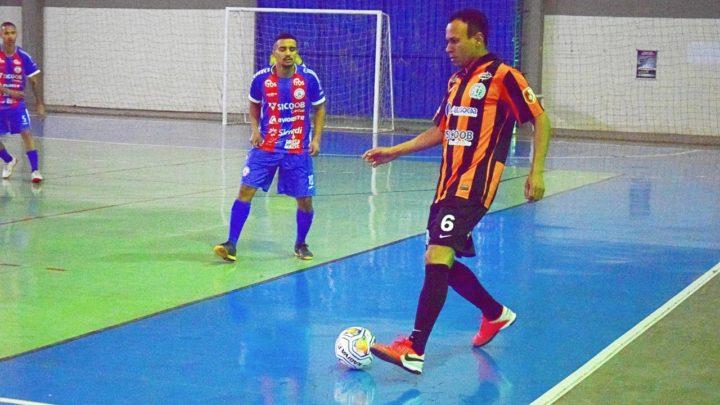 Vitória deixa Chape na liderança da chave na Copa Catarinense