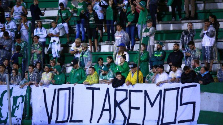 Chapecoense se manifesta favorável á volta das torcidas aos estádios