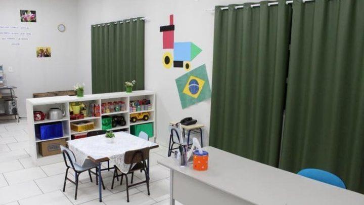 Professora é afastada após menino de 2 anos ser esquecido em creche de SC