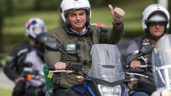 MPF arquiva investigações contra Bolsonaro por motociata em SC