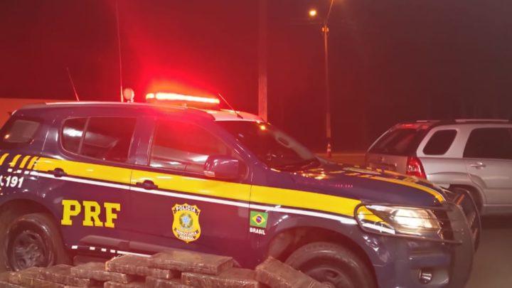 Vídeo: PRF apreende mais de meio milhão de reais em maconha em veículo roubado na BR 282 em Xanxerê
