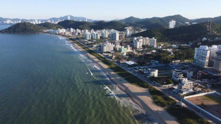 Estão proibidos novos empreendimentos que façam sombra na Praia Brava em Itajaí SC