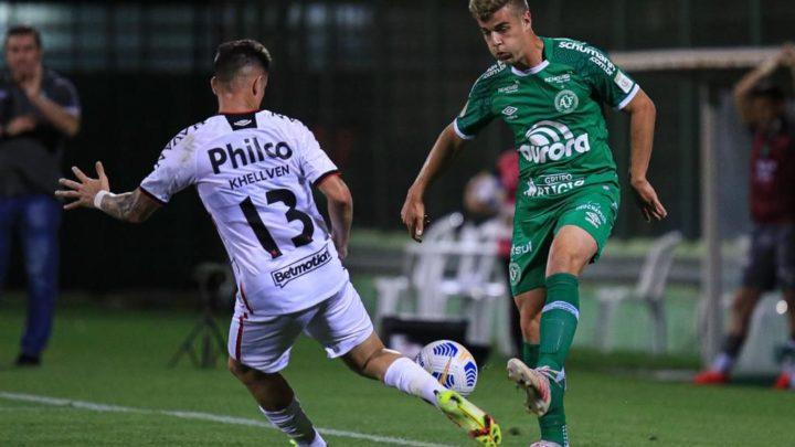 Chapecoense joga melhor, mas empata com Athletico-PR na Arena Condá