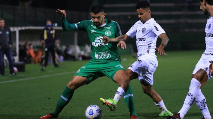 Chapecoense empata com Atlético-MG na Arena Condá