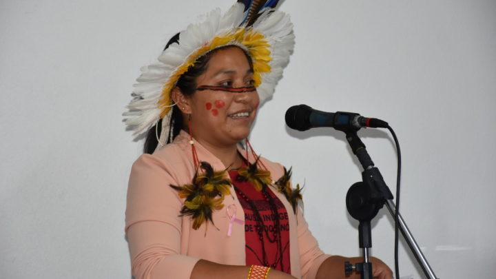Pela primeira vez, indígena toma posse no Legislativo de Chapecó
